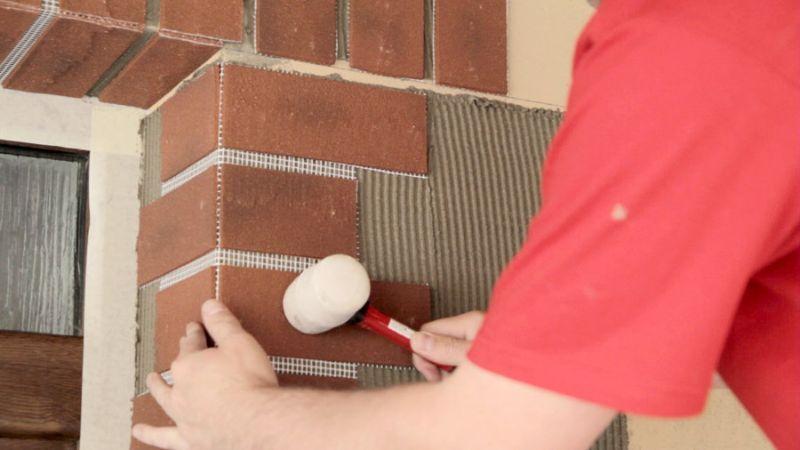 Jak lepit cihlové pásky